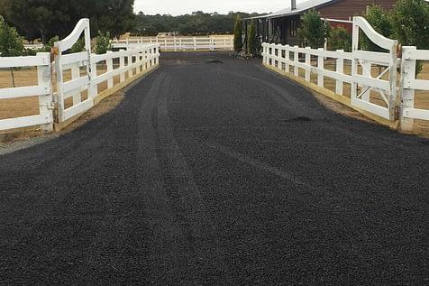 Bitumen pavement contractor